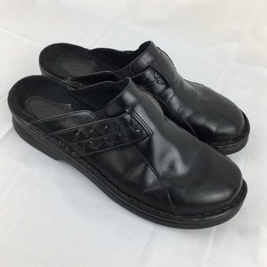 Clark's black leather  clog mules slip-on size 7